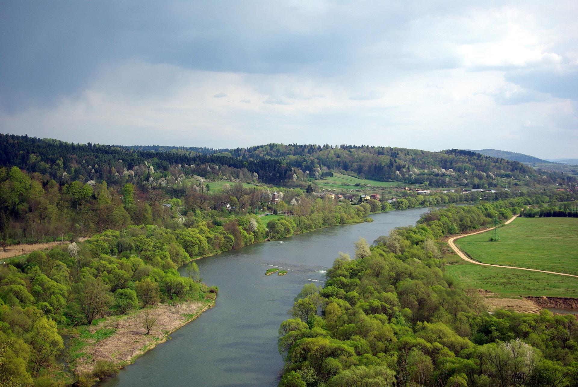 The San River seen from the Sobień Castle - Author: Lowdown, https://commons.wikimedia.org/wiki/File:San_widziany_z_Zamku_Sobie%C5%84.JPG